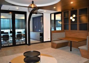 Riverside Centre L28 Spec Suite